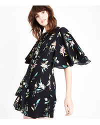 New Look - Black Floral Angel Sleeve Knot Front Dress - Lyst