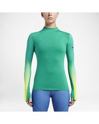 ddabaaa69a656 Nike Pro Hyperwarm Women's Long Sleeve Training Top in Green - Lyst
