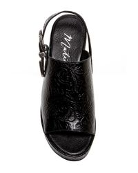 Matisse - Black Embossed Print Slingback Leather Sandal - Lyst