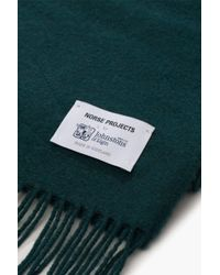 Norse Projects - Green Norse X Johnstons Lambswool Scarf Moss for Men - Lyst