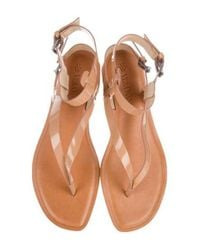 Vera Wang - Metallic Patent Leather Thong Sandals Tan - Lyst