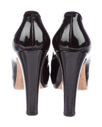 Chanel - Black Patent Leather Round-toe Pumps - Lyst