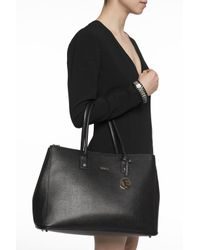Furla - Black 'linda' Shoulder Bag - Lyst