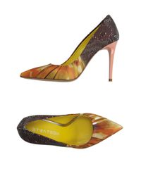 Strategia - Orange Pump - Lyst
