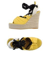 Juicy Couture | Yellow Sandals | Lyst