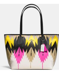 Coach Taxi Zip Top Tote In Printed Crossgrain Leather - Lyst