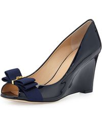 Tory Burch Trudy Patent Bow Wedge Pump - Lyst
