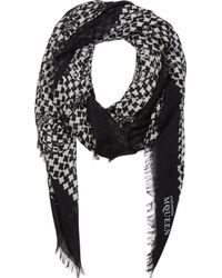 Alexander McQueen Black And White Houndstooth Scarf - Lyst