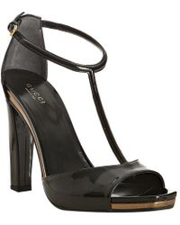 Gucci Black Patent Leather Daisy T-strap Sandals - Lyst