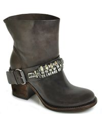 Vera Wang Lavender - Casey - Brown Leather Jewelled Boot - Lyst