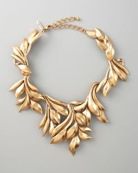 Oscar de la Renta Gold Leaf Collar Necklace - Lyst