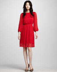Alice + Olivia Fern Pleated Dress red - Lyst
