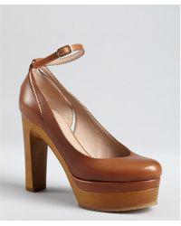 Chloé Tan Leather Pinked Trim Ankle Strap Wooden Platform Pumps - Lyst