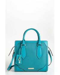 Burberry Classic Grainy Leather Tote - Lyst