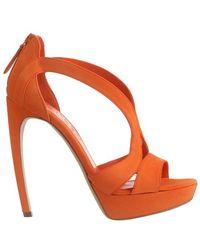 Alexander McQueen Suede Curved Heel Sandal orange - Lyst