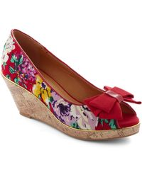 ModCloth Zoom and Bloom Wedge - Lyst
