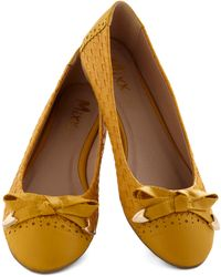 ModCloth Touch Of Honey Flat - Lyst