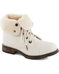 ModCloth Logging Miles Boot in Ivory - Lyst