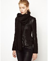 ELEVEN PARIS Teather Leather Blazer with Mohair Scarf