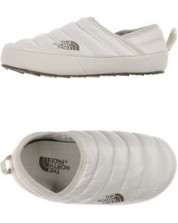 The North Face - Quilted Down Slippers - Lyst