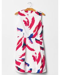 Gap Printed V-Neck Fit & Flare Dress white - Lyst