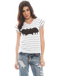 Zoe Karssen Bat Stripe Relaxed Fit V Neck Short Sleeve Tee - Lyst