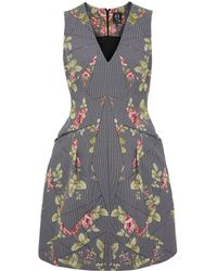 McQ by Alexander McQueen Grey Floral Box Pleat Vneck Dress - Lyst