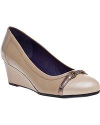 Vaneli For Jildor Lilibet Wedge Pump Taupe Leather - Lyst