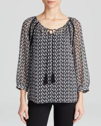 Two By Vince Camuto - Printed Peasant Blouse - Lyst
