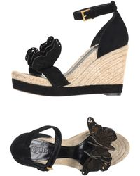 Alexander McQueen Belted Ankle Strap Suede Sandals black - Lyst