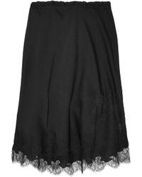 Carine Gilson Chantilly Lace-Trimmed Silk-Satin Half Slip - Lyst
