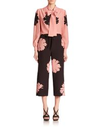 Alexander McQueen Printed Cropped Pants pink - Lyst