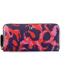 Diane von Furstenberg Abstract Leopard Print Wallet - Lyst