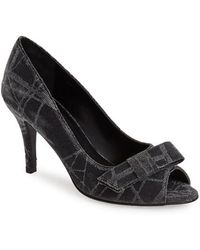 Vaneli 'Pimba' Bow Pump black - Lyst