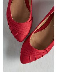 CL By Chinese Laundry - Charming Colleague Wedge In Cardinal - Lyst