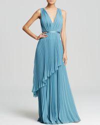 Vera Wang - Gown - Deep V-Neck Mini Pleat Tiered Skirt - Lyst