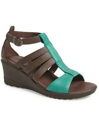 Keen 'Victoria' Leather Wedge Sandal - Lyst