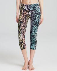 Onzie Leggings - Printed Capri - Lyst