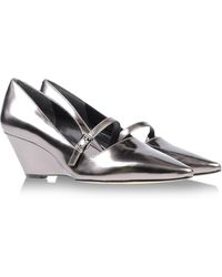 Belle By Sigerson Morrison Closed Toe - Lyst