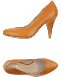 Noё Orange Pump - Lyst