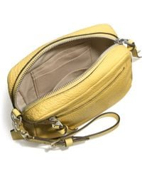 Coach Bleecker Flight Wristlet in Pebbled Leather - Lyst