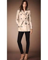Burberry The Kensington Mid-Length Heritage Trench Coat beige - Lyst