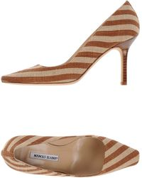 Manolo Blahnik Pump brown - Lyst