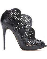Alexander McQueen Black Leather Sandals - Lyst