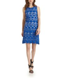 Alice + Olivia Dot Sleeveless Shift Dress - Lyst