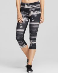 Under Armour Leggings Striated Capri - Lyst