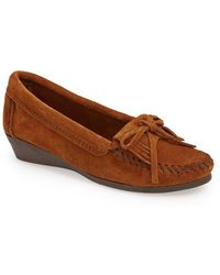 Minnetonka 'Kilty' Suede Wedge Moccasin - Lyst
