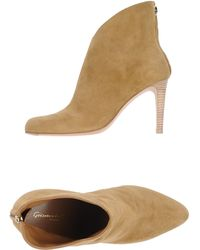 Gianvito Rossi Beige Ankle Boots - Lyst