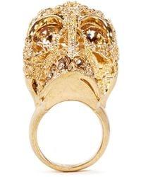Alexander McQueen Crystal Filigree Skull Ring gold - Lyst
