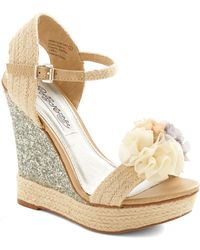 ModCloth I Thee Wedge beige - Lyst